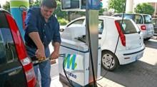 Cala il consumo di benzina, crescono GPL e metano. E sono 3mila i distributori a rischio chiusura